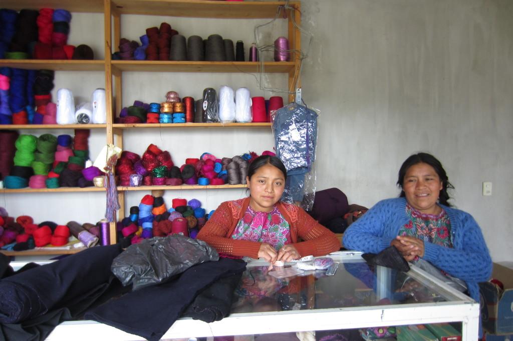 Ceci and Josefa, Nachig, Chiapas. Photo by Ana Paula Fuentes.