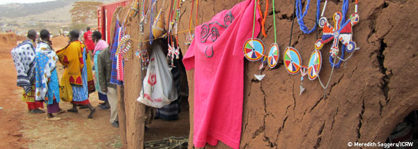 Maasai women create their own market.